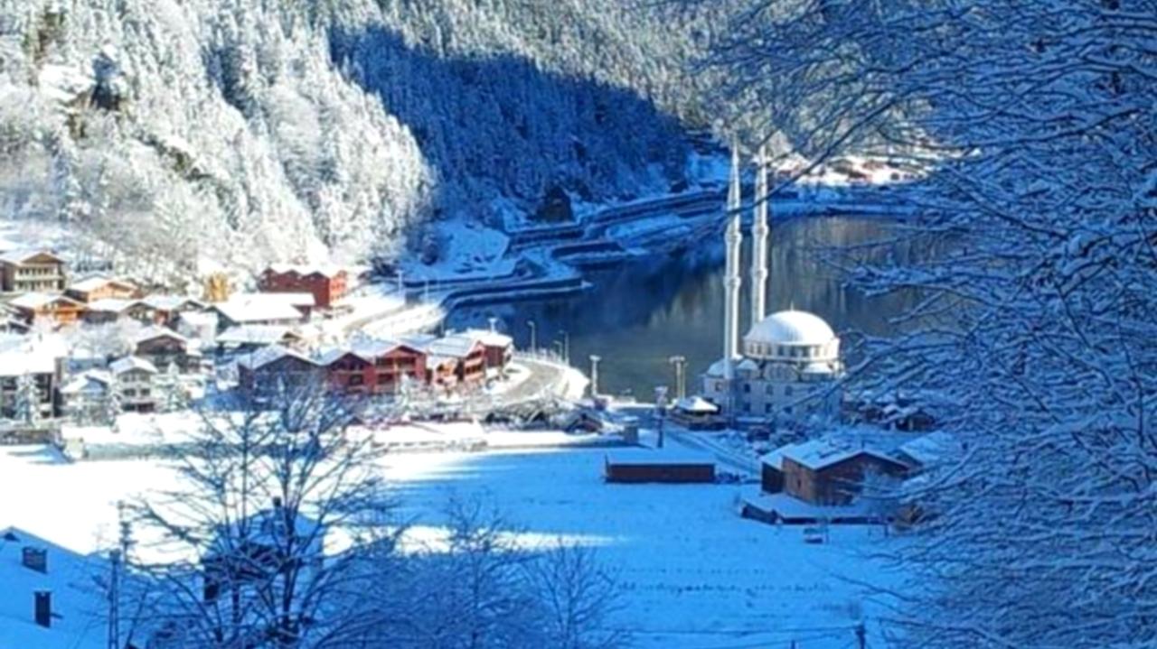 """""""أوزونغول"""" التركية تُبهِر السيّاح بحلتّها البيضاء وهدوئها المُبهر"""